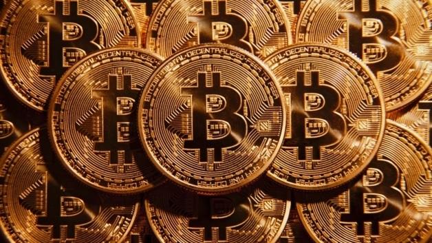 Bitcoin прошел отметку курса $12 000