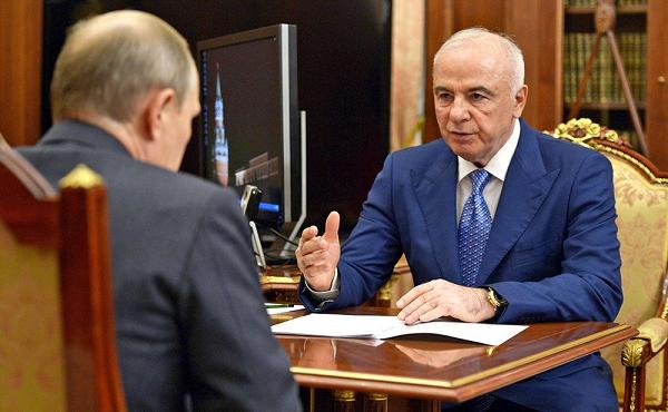 Клан Тхакушинова разоряет республику Адыгея?