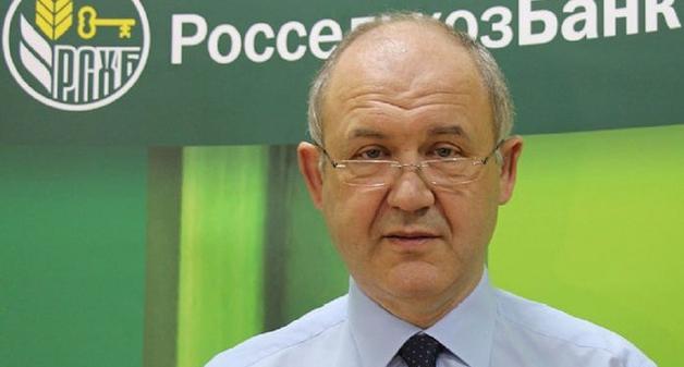 Депутат заксобрания Ростовской области носит передачки своей коллеге, арестованной за многомиллионные хищения