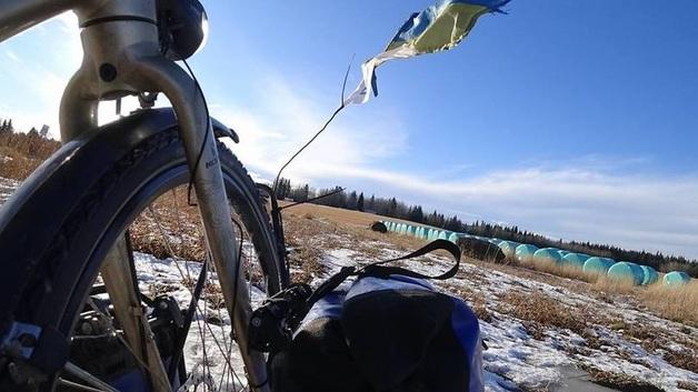 Украинец путешествует из Аляски в Мексику на велосипеде