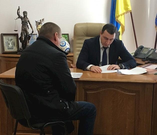 На Киевщине депутат пальнул из ружья по селянам: есть раненые