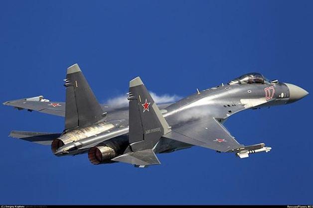 Самолеты РФ сбросили бомбы вблизи Дамаска, погибли десятки гражданских