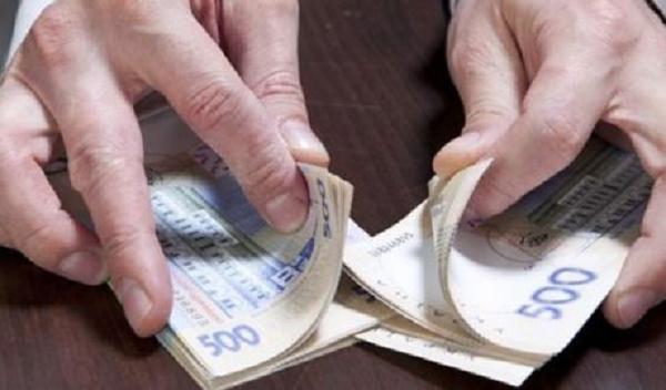 В Харькове на взятке задержали налоговиков