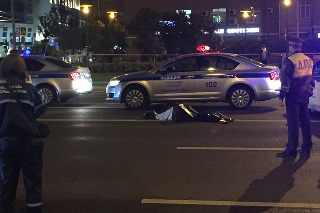 Полицейский насмерть сбил перебегавшего МКАД мужчину