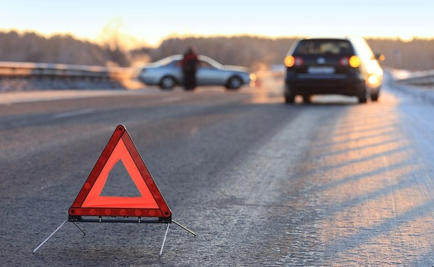 На пешеходном переходе в Конче-Заспе автомобиль насмерть сбил женщину и скрылся с места ДТП