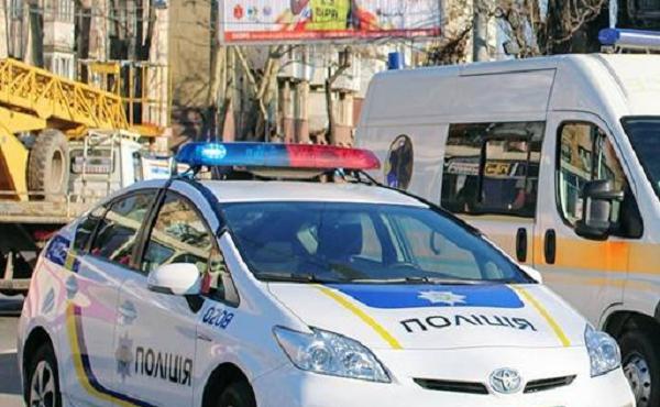В Одессе патрульные попали в ДТП, развернувшись через двойную сплошную