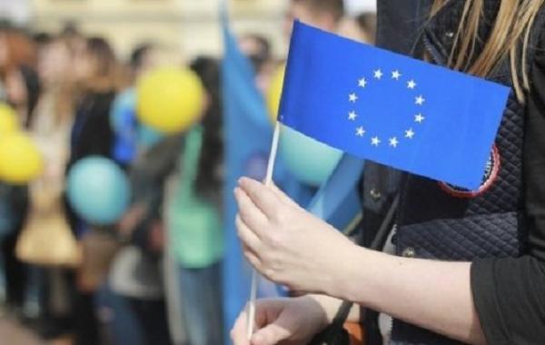Если ЕС отменит безвиз, это будет политической катастрофой для Порошенко и его предвыборной кампании — эксперт