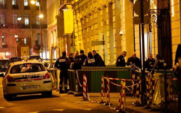 Вооруженная топорами банда ограбила знаменитый отель Ritz в Париже