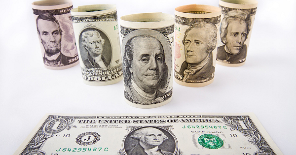 Правительство отказалось от идеи валютных ограничений