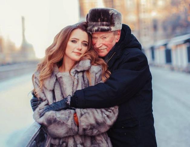 Директор 87-летнего Ивана Краско избил предполагаемого кавалера его молодой жены