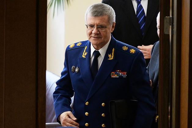 Чайка назвал задачей прокуратуры недопущение уличных акций