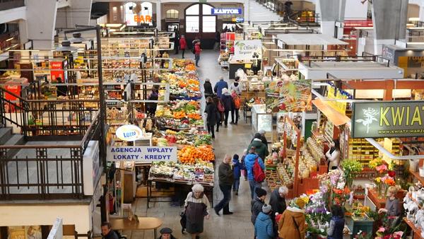 В Польше запретят торговлю в магазинах и интернете по воскресеньям