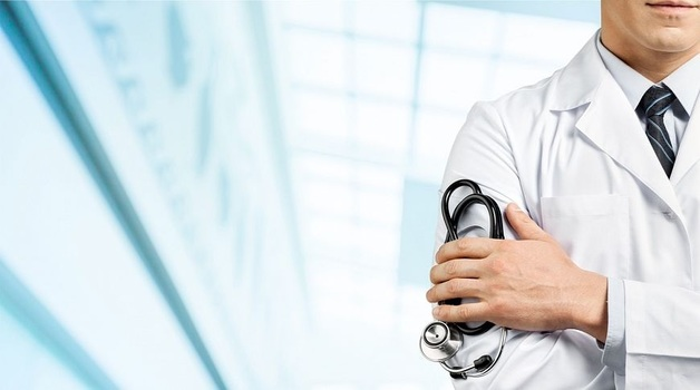 Главный врач перинатального центра в Красноярске Андрей Павлов погорел на взятках