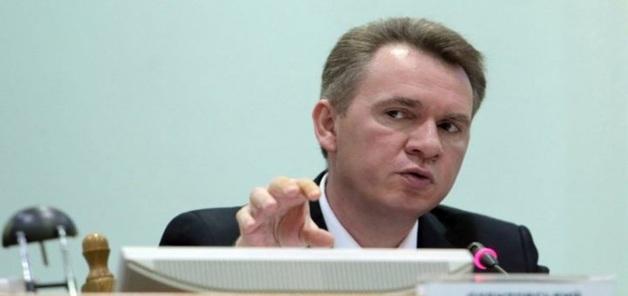 Озвучена зарплата главы ЦИК Михаила Охендовского