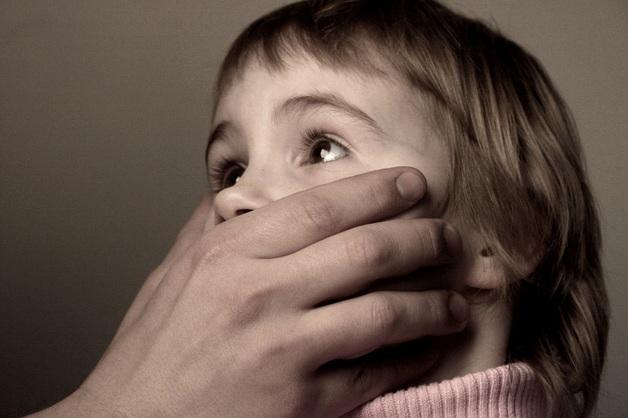 Опасности подстерегающие детей: похищения, педофилы, «группы смерти» и «друзья» из соцсетей