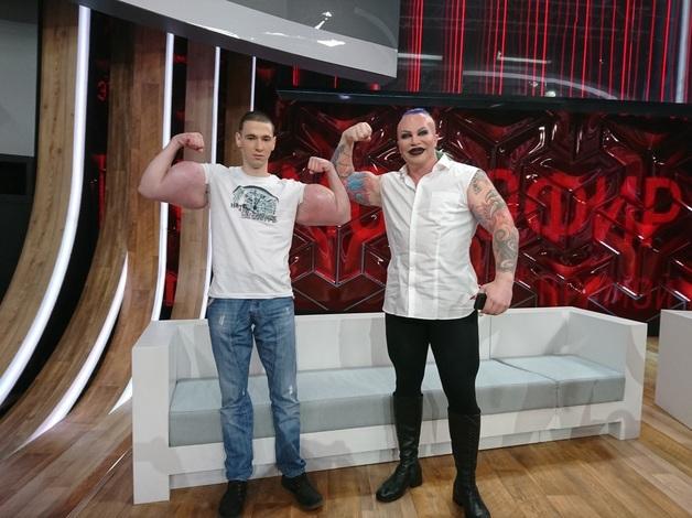 Малахова назвали больным за эфир с кумиром «рук-базук»