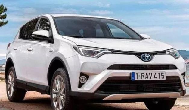 Налоговик, таможенник, главврач — кто купил самые дорогие авто в Харьковской области в январе