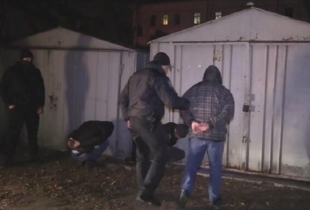 В Киеве задержали угонщиков элитных авто