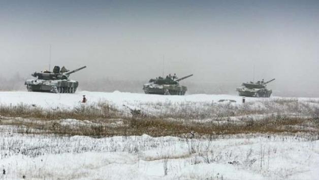 Росія стягує війська до Маріуполя та Пісків, - штаб