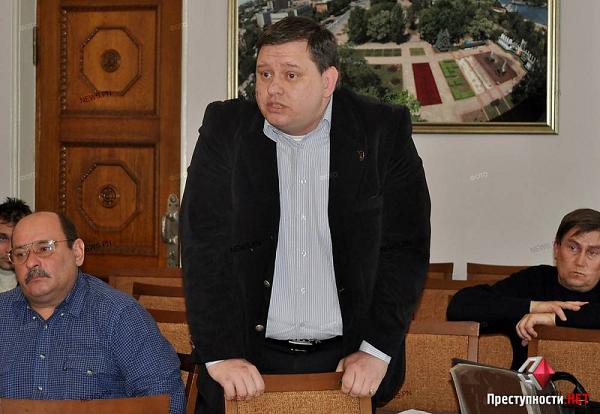 Глава Кривоозерского района вымогал взятку в виде кожаного кресла