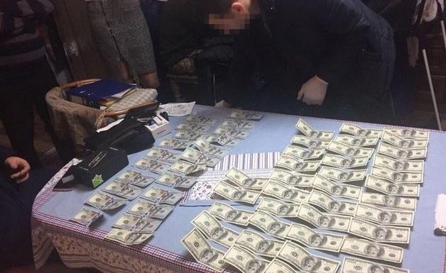 СБУ задержала адвоката на взятке в $6 тысяч
