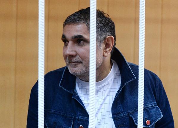 Вор на воре: кто претендует на криминальную корону России