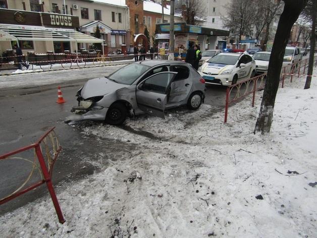 Пьяная, без прав и на чужом автомобиле: 18-летняя девушка совершила кровавое ДТП в Белой Церкви