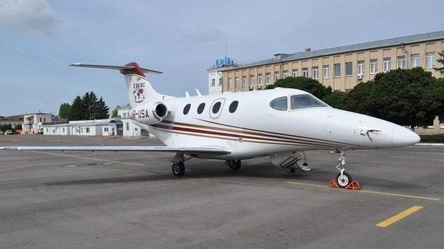 """""""Порошенко часто летал этим бортом"""". Что известно о VIP-самолете, на котором Саакашвили отправили в Польшу"""