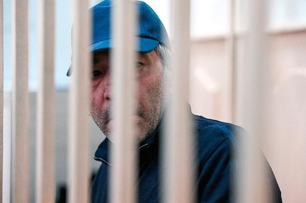Арестованному экс-премьеру Дагестана и его подчиненным грозят пять новых уголовных дел