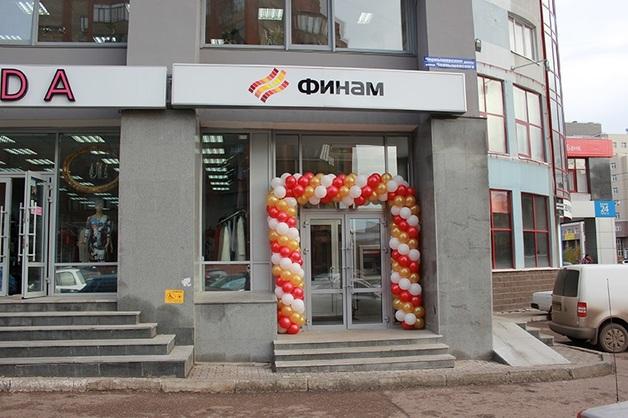 В московский банк «Финам» из-за покупки самолета клиентом пришла ФСБ