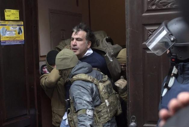 Авиаперелет за ваш счет: ресторан, где задержали Саакашвили, стал популярен в Сети
