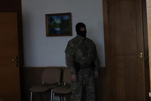 В Челябинской области сотрудники ФСБ провели обыски из-за премий чиновников