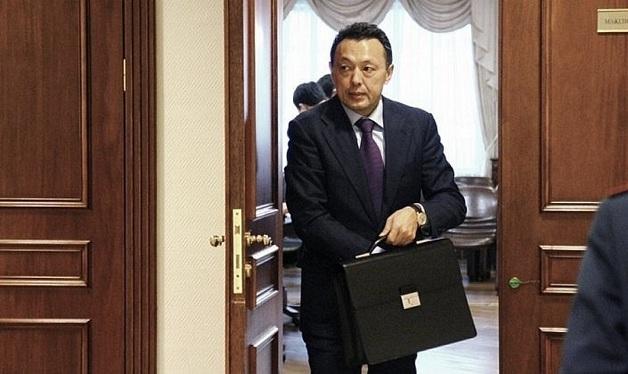 Крупнейшее государственное предприятие Казастана «КазМунайГаз» легло под Сечина?