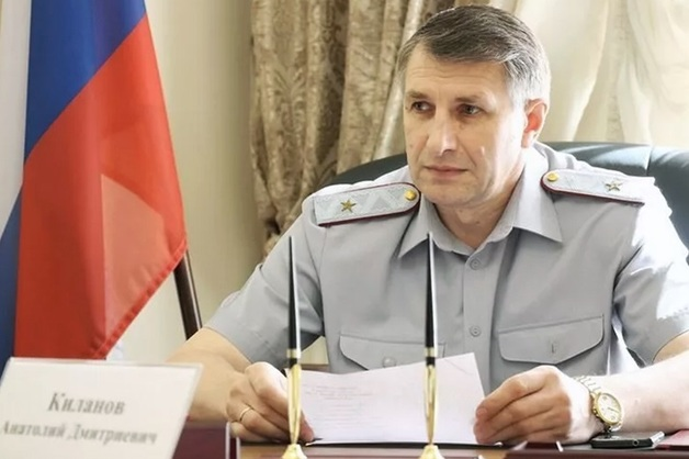 Трех генералов ФСИН уволили после скандала с хищениями денег на рации