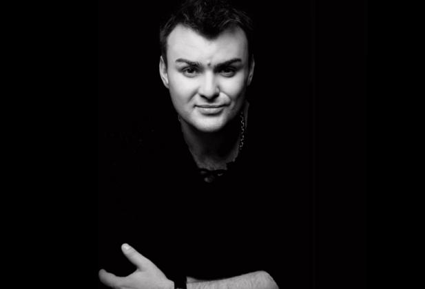 В своей ванне найден убитым известный российский артист