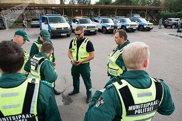 Как муниципальная полиция Таллина борется с «зайцами» в общественном транспорте
