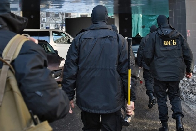 Силовики провели обыски в структуре «Газпрома» в Махачкале