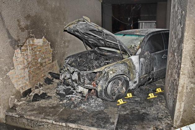 В Киеве сожгли Lexus известного адвоката