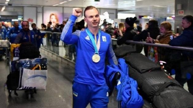 Это мой друг по спорту, – Абраменко вернулся в Украину и рассказал об объятиях с русским