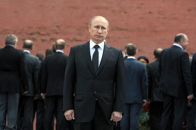 Путин включил защиту персональных данных чиновников в положение о ФСО