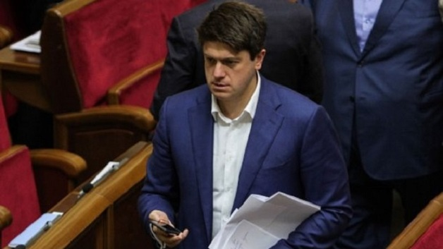 Нардепу от БПП запретили выезжать из Украины: у него 350 миллионов долгов