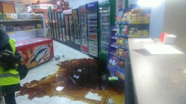 В Сумах бросили гранаты в супермаркет