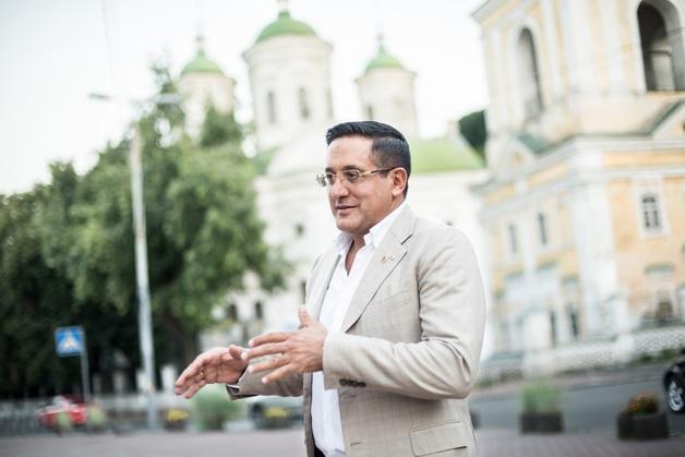Али Реза Резазаде: дипломат или все же аферист под боком у Грицака?