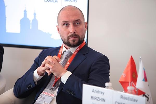 Андрей Биржин стремится влезть в проект реновации