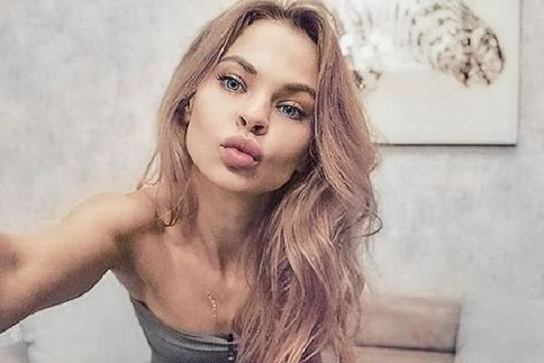 Как одна девушка лёгкого нрава подвесила на крючок российскую элиту