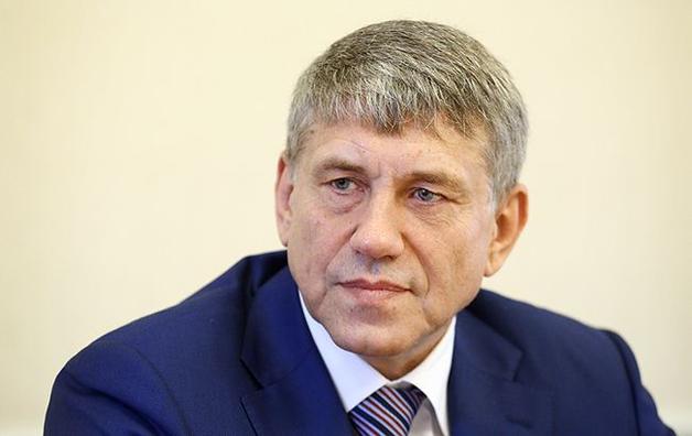 Министр Насалик разделил имущество с супругой и переехал в Козин