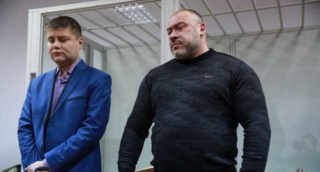 Титушки Крысина охраняли банк Савченко