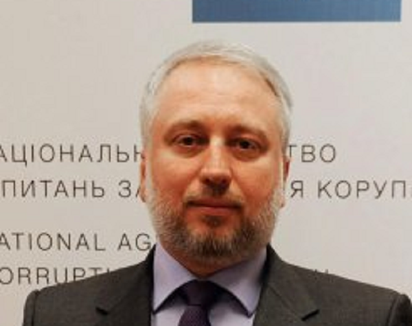 """Новым главой НАПК станет """"человек президента"""" Александр Мангул"""