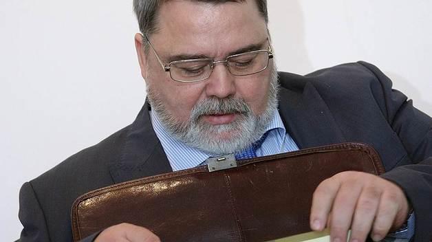 На чью мельницу льет Игорь Артемьев?