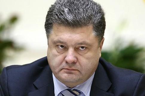 Армия сегодня успешно отразила атаки по всему фронту - Порошенко